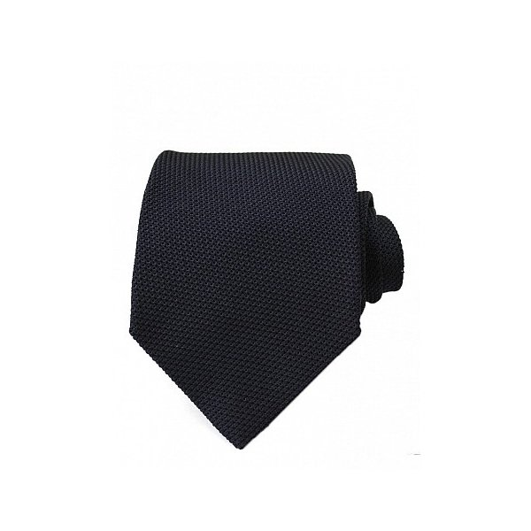 dark tie for navy suit